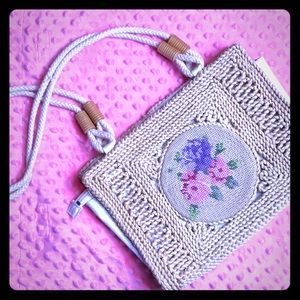 Vintage Sisal Floral Embroidery Sampler Straw Bag